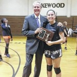 Lakewood's Heinz presented with Extra Effort Award