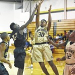 Horses enjoy season-tip off scrimmages