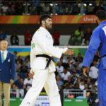 Egyptian judoka refuses to shake Israeli opponent's hand