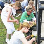 Two Midway schools participate in garden therapy